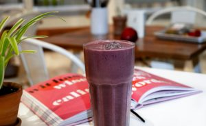 Smoothie at restaurant for flatbed truck driver